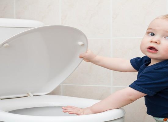 Diez consejos para ayudar a los niños a controlar los esfínteres y dejar el pañal