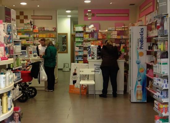 La Farmacia sale del mostrador