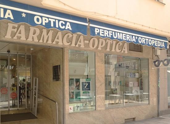 La farmacia más completa y abierta de Estepona