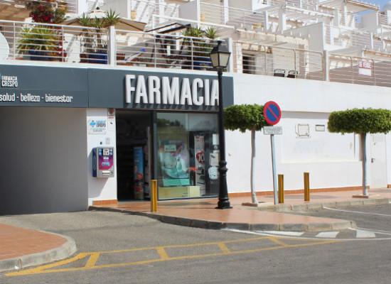 Farmacia Crespo: una botica con vistas al mar