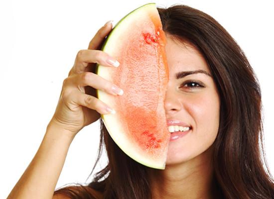 Alimentos diuréticos para evitar la retención de líquidos
