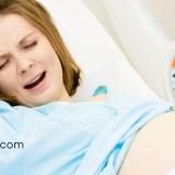 ¿Por qué duele tanto el parto?