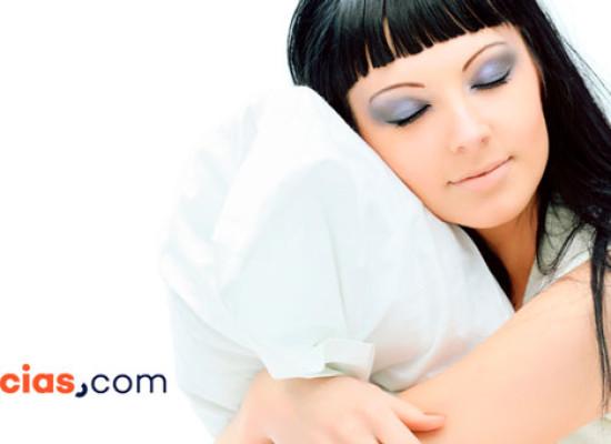 Dormir con maquillaje… ¿envejece la piel?